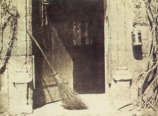 Fox Talbot-La puerta<br /><br /><br /><br /><br /> abierta